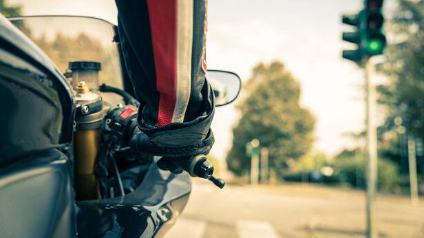 """Policja mówi """"dość"""" nielegalnym wyścigom  Shutterstock"""