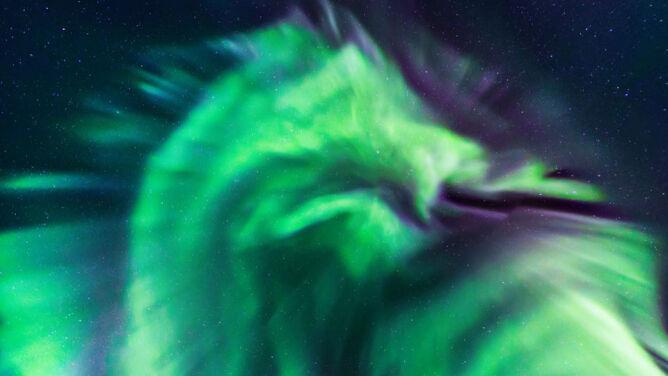 To nie była zwykła zorza. Zielony smok na islandzkim niebie