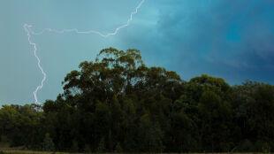 Prognoza pogody na dziś: gorąca sobota z burzami. Może pojawić się grad