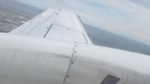Ryzykowne lądowanie. Zobacz, jak samolot wpada w turbulencje