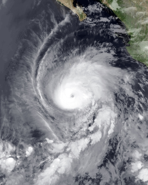 Huragan Aletta w piątek (NASA)