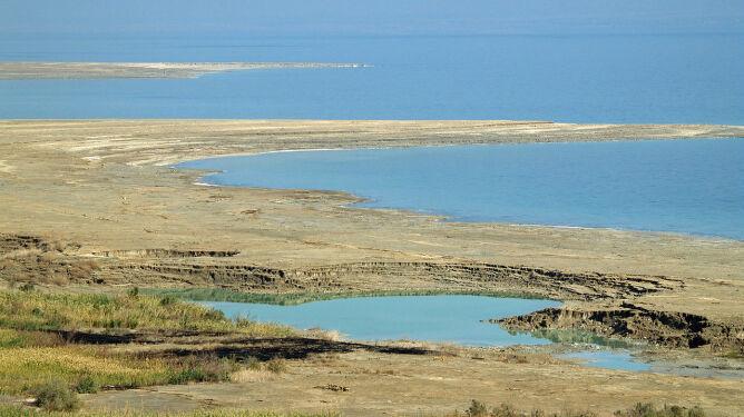"""""""To zemsta natury"""". Wybrzeże Morza Martwego się zapada"""
