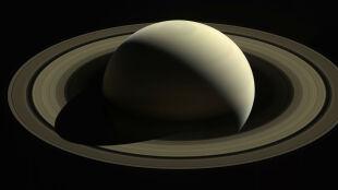Ostatnie dane z Saturna. Poczekamy kilkanaście lat, nim kolejna sonda tam dotrze