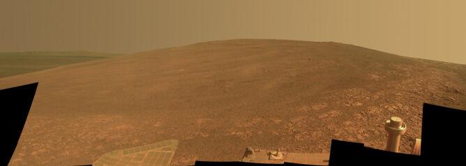 Fragment grzbietu Murray Ridge sfotografowany przez łazik Opportunity