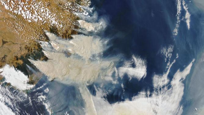 Pogodowe dramaty Ziemi 2020 roku widziane z kosmosu. NASA pokazuje zdjęcia